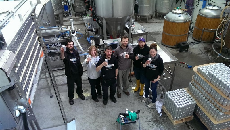 Metalman Brewing staff and our Cask ACS canning machine